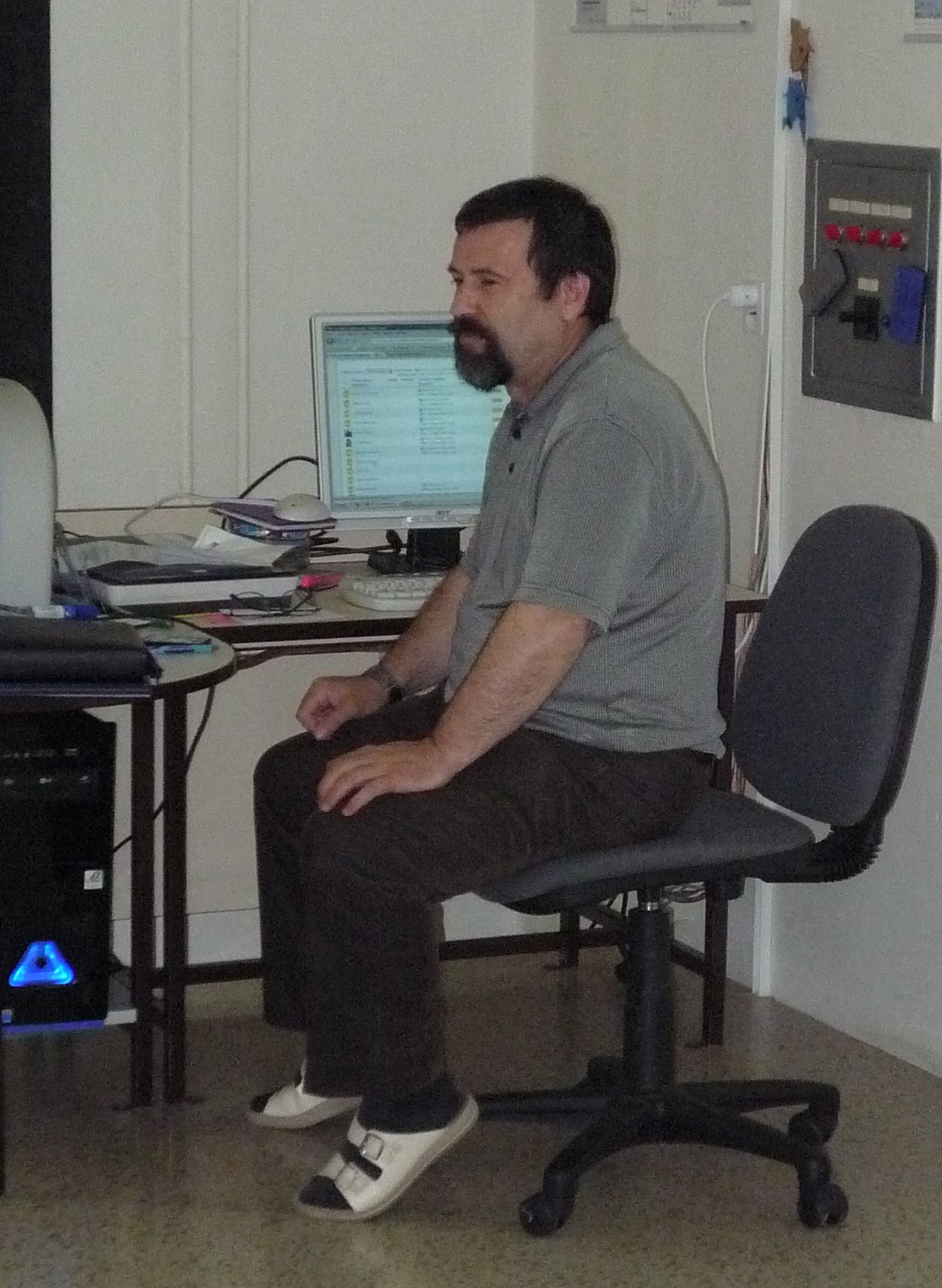 Vedoucí kabinetu IVT Ing. Ladislav Lór u katedry